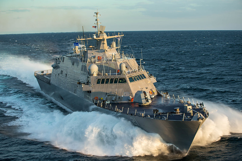 Navy Stops Delivery of Freedom LCSs After Combining Gear Problem